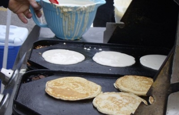 2011 Pancake Festival May 28 (4)